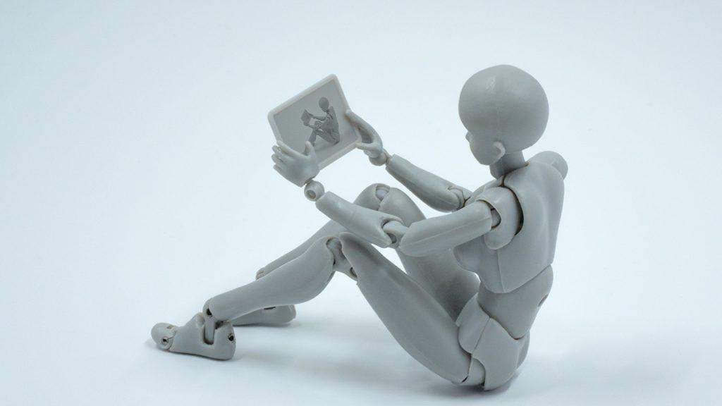 Künstliche Intelligenz soll für Facebook Nachrichten zusammenfassen